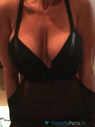Maryline, belle femme blonde 45 ans