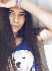 Chloe Kiss